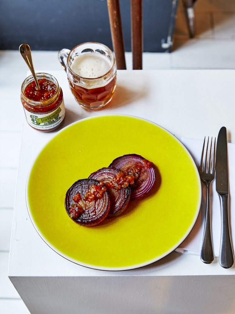 Grilled Red Onion with Cucumber & Seet