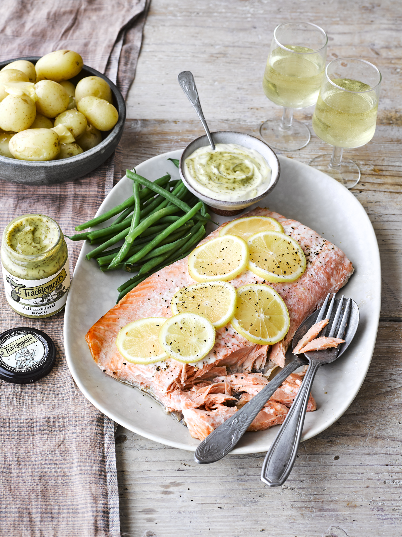 Salmon Fillet with Dill Mustard Sauce